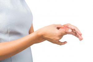L'acupression est fondée sur les principes de la médecine traditionnelle chinoise. J'utilise l'acupression en tant que soigneur du FCS.